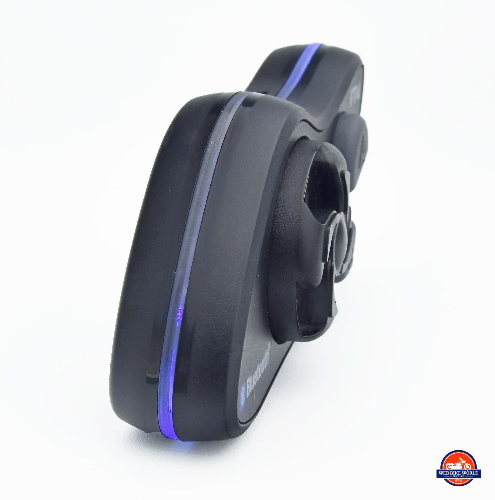 Blue LED light on the Lexin FT4.