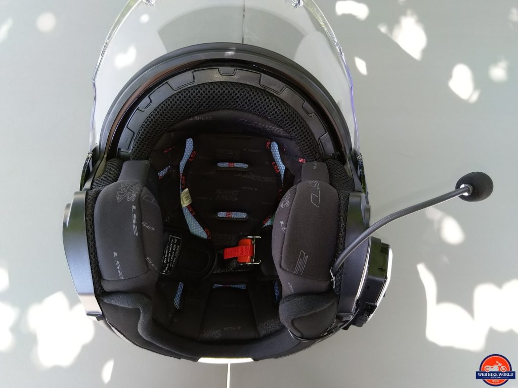 LS2 VERSO Mobile Helmet interior liner and design makes for a quiet helmet