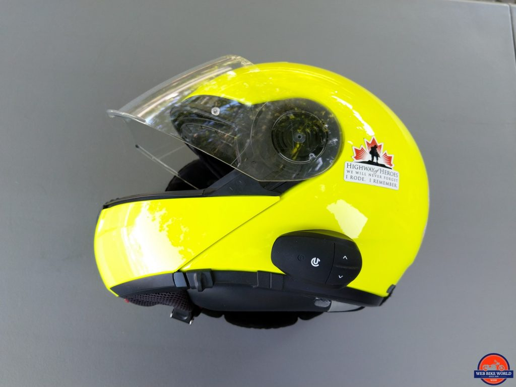 UClear AMP Go BT System attached to side of SCHUBERTH C3