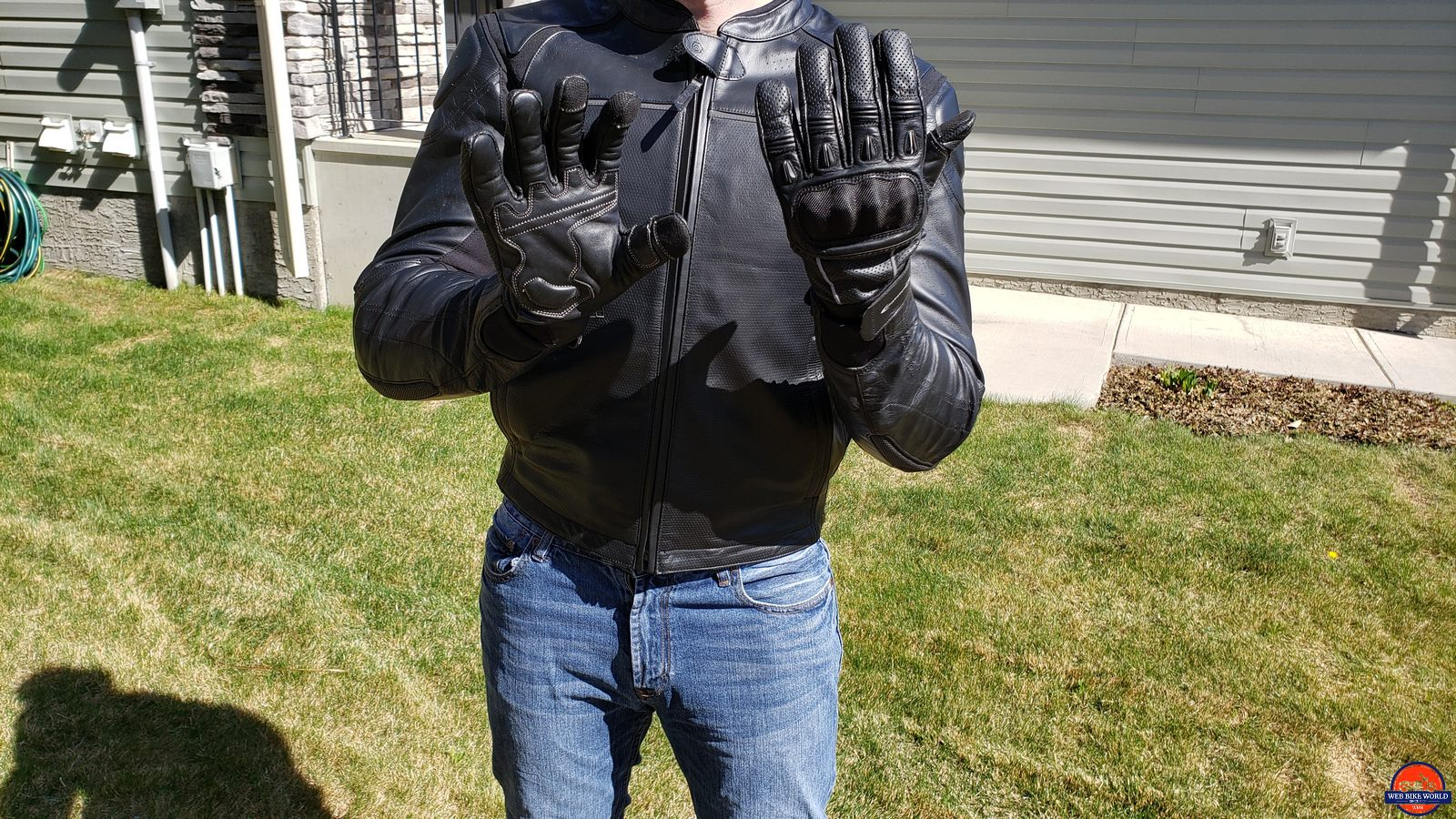 wearing the motonation campeon gloves
