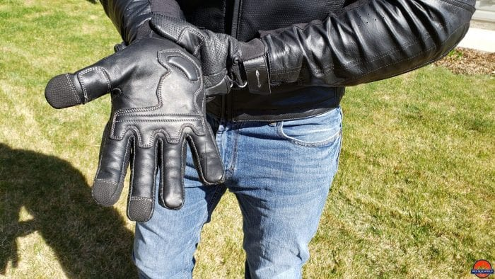 showing the palm of the motonation campeon leather glove