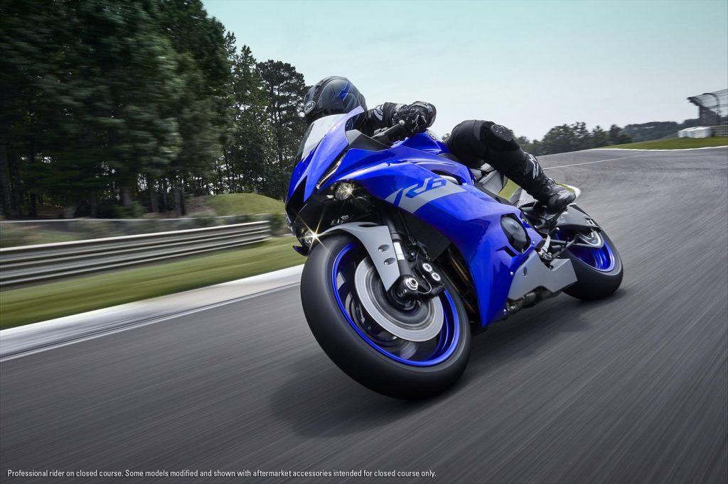 2020 Yamaha R6 Action Shot