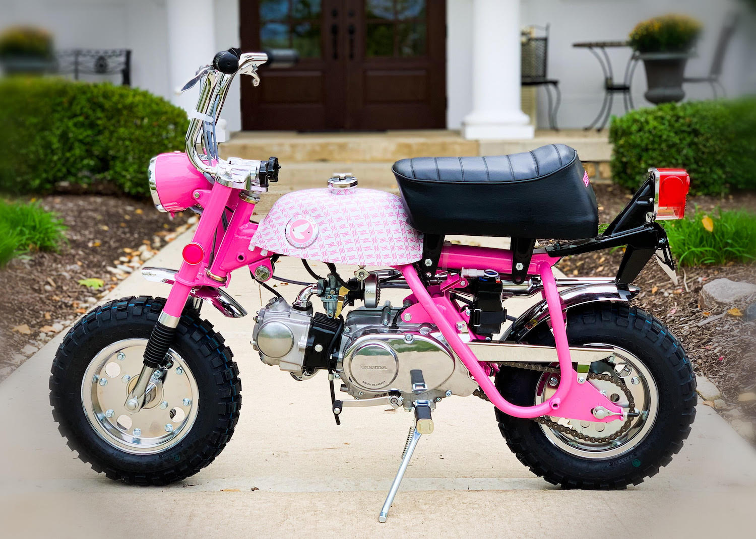 1969 Vintage Honda Z50A K1 Breast Cancer Awareness Bike