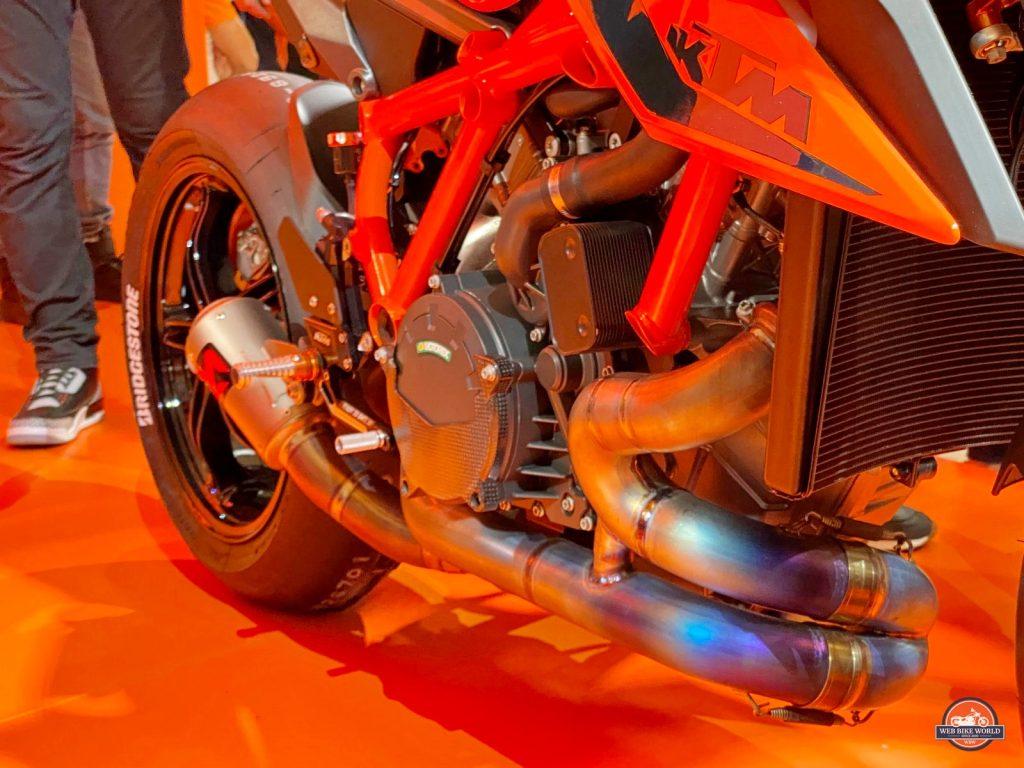 KTM 1290R Super Duke.