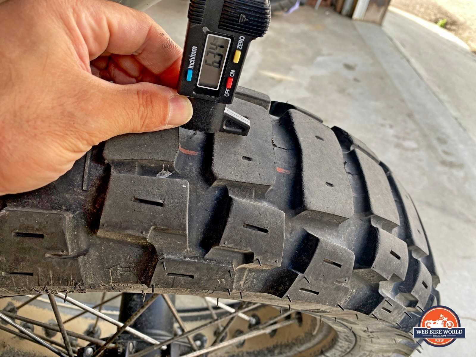 Motoz Tractionator Adventure rear tire after 5000 miles.