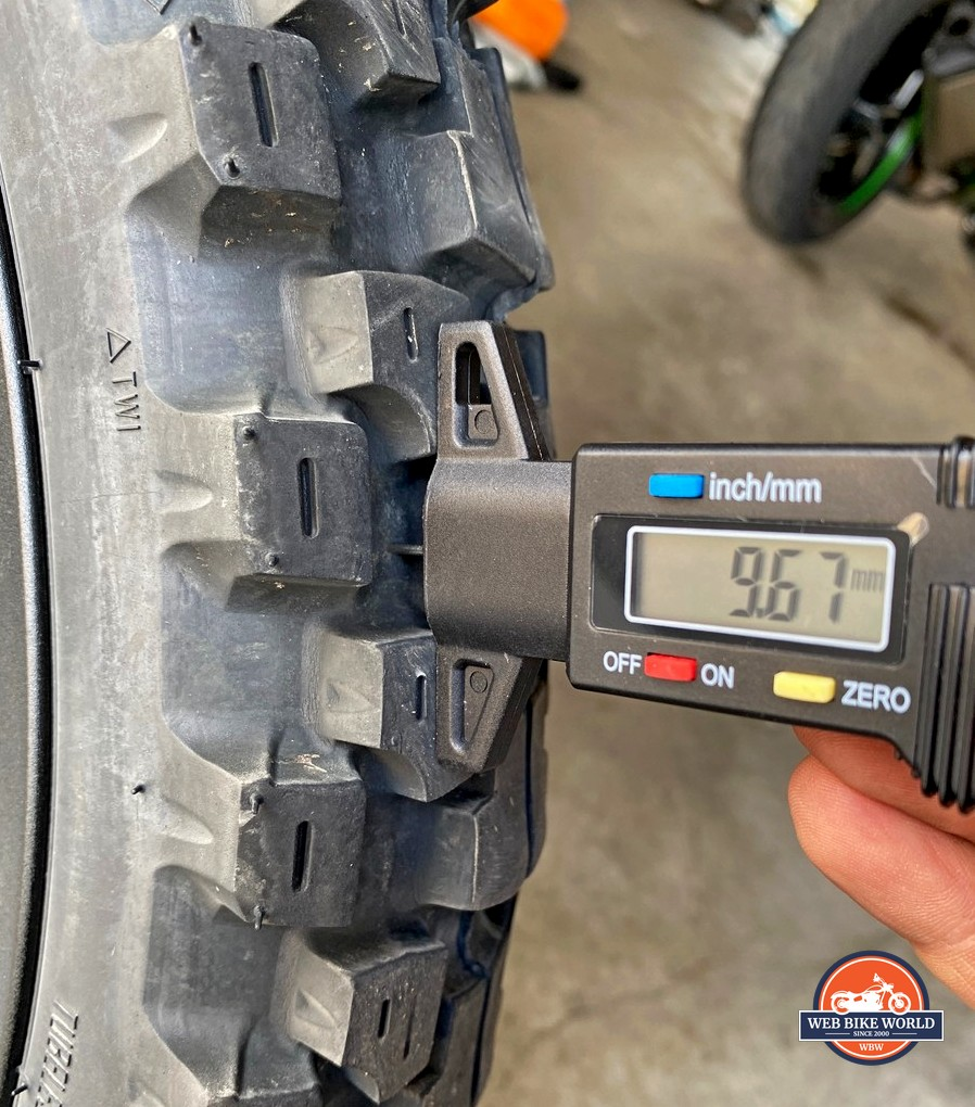 Motoz Tractionator Adventure front tire after 5000 miles.