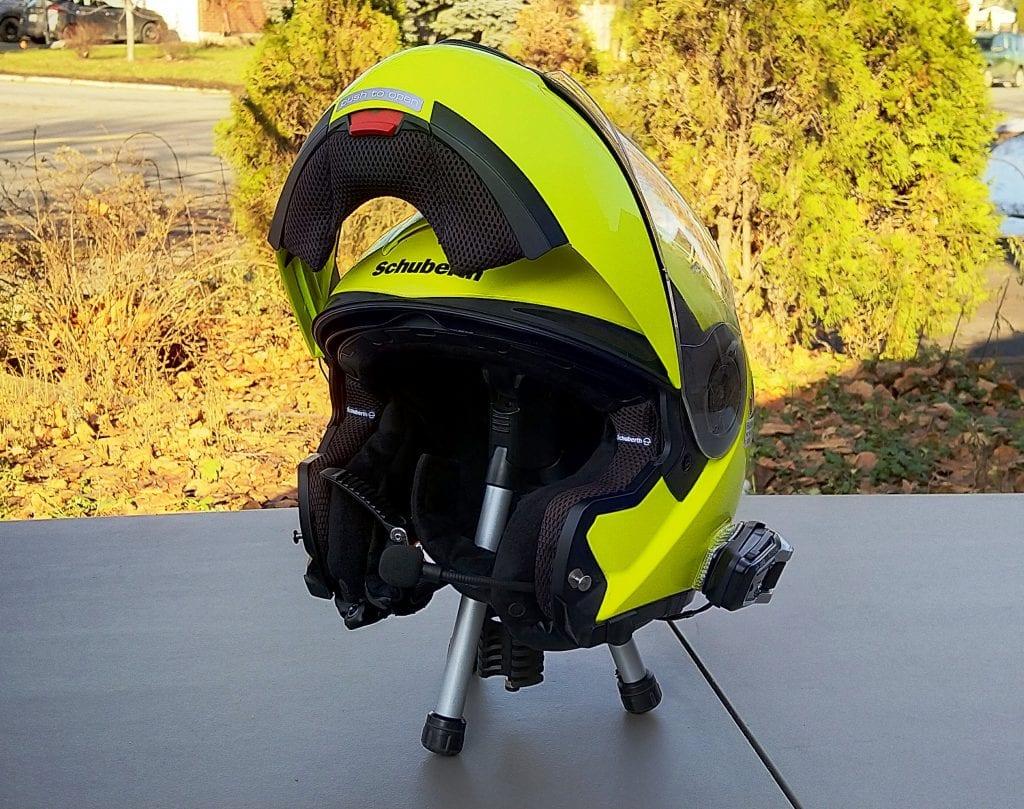 Cardo Scala Rider PACKTALK BOLD installed in SCHUBERTH C3 Pro