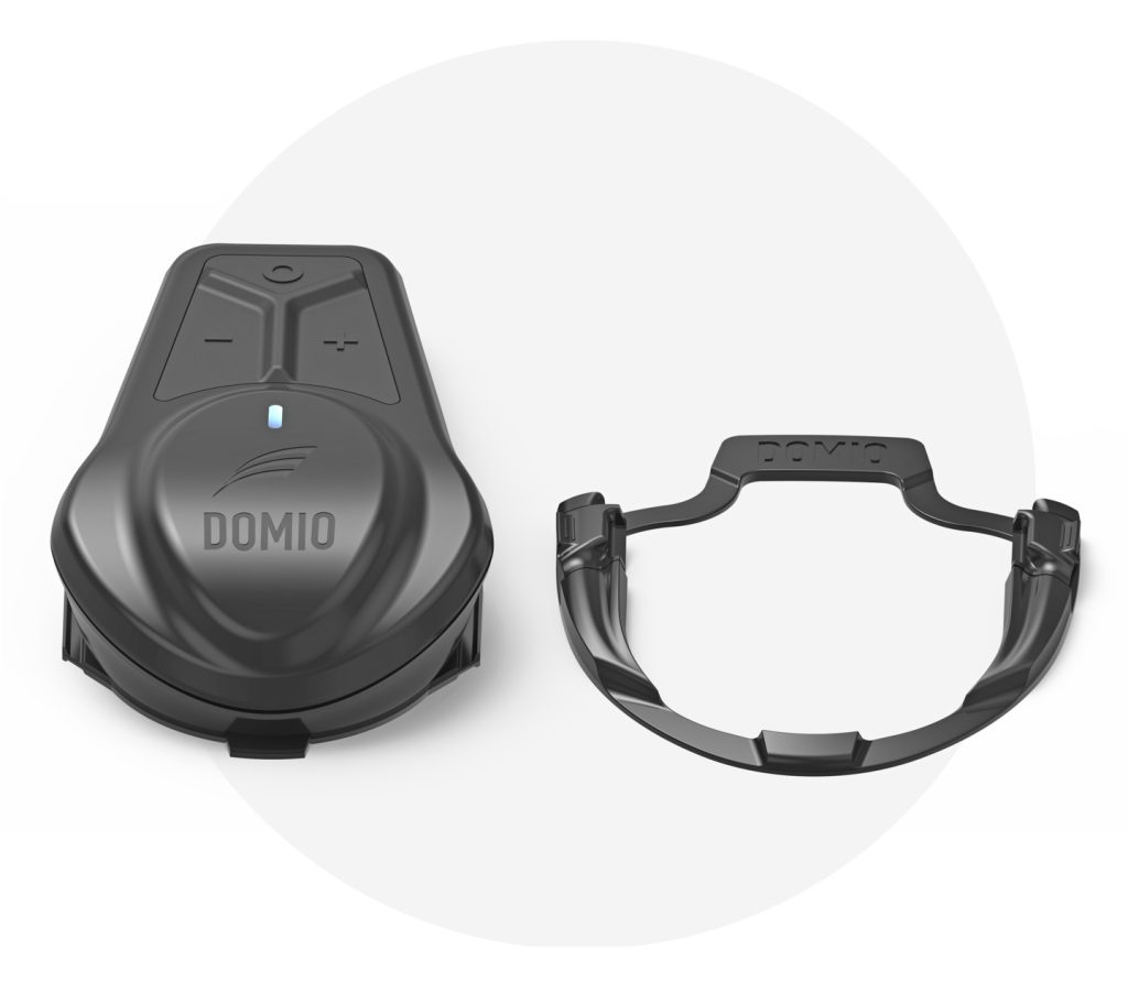 The Domio Moto and mounting bracket.