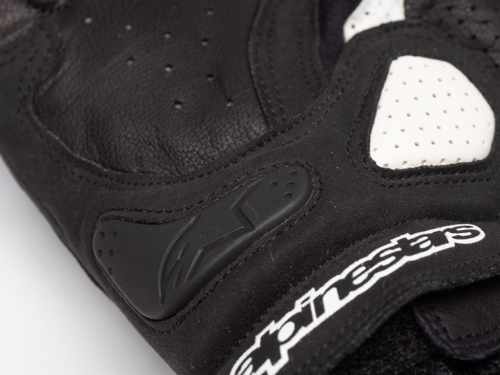 TPU palm slider located on the heel of the hand