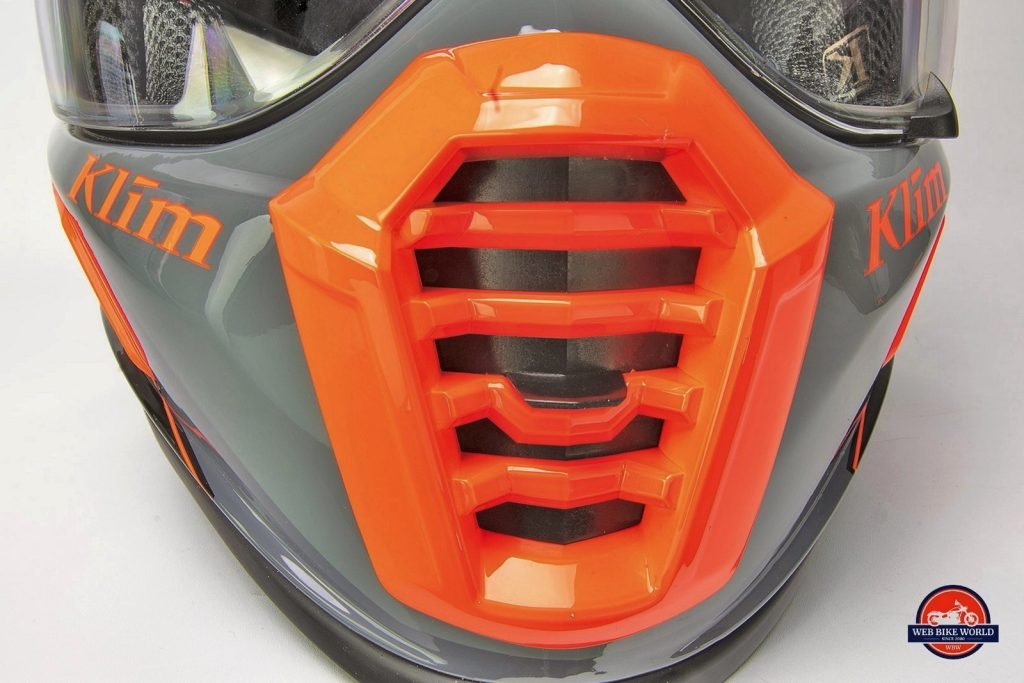 The Klim Krios Pro chin bar vent.