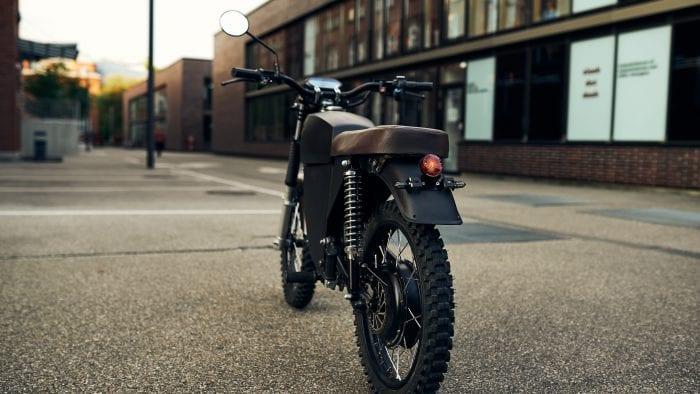 Black Tea Moped