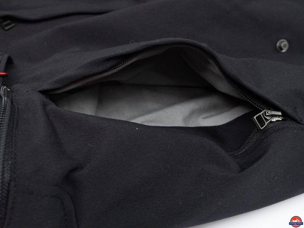 front pocket openeing