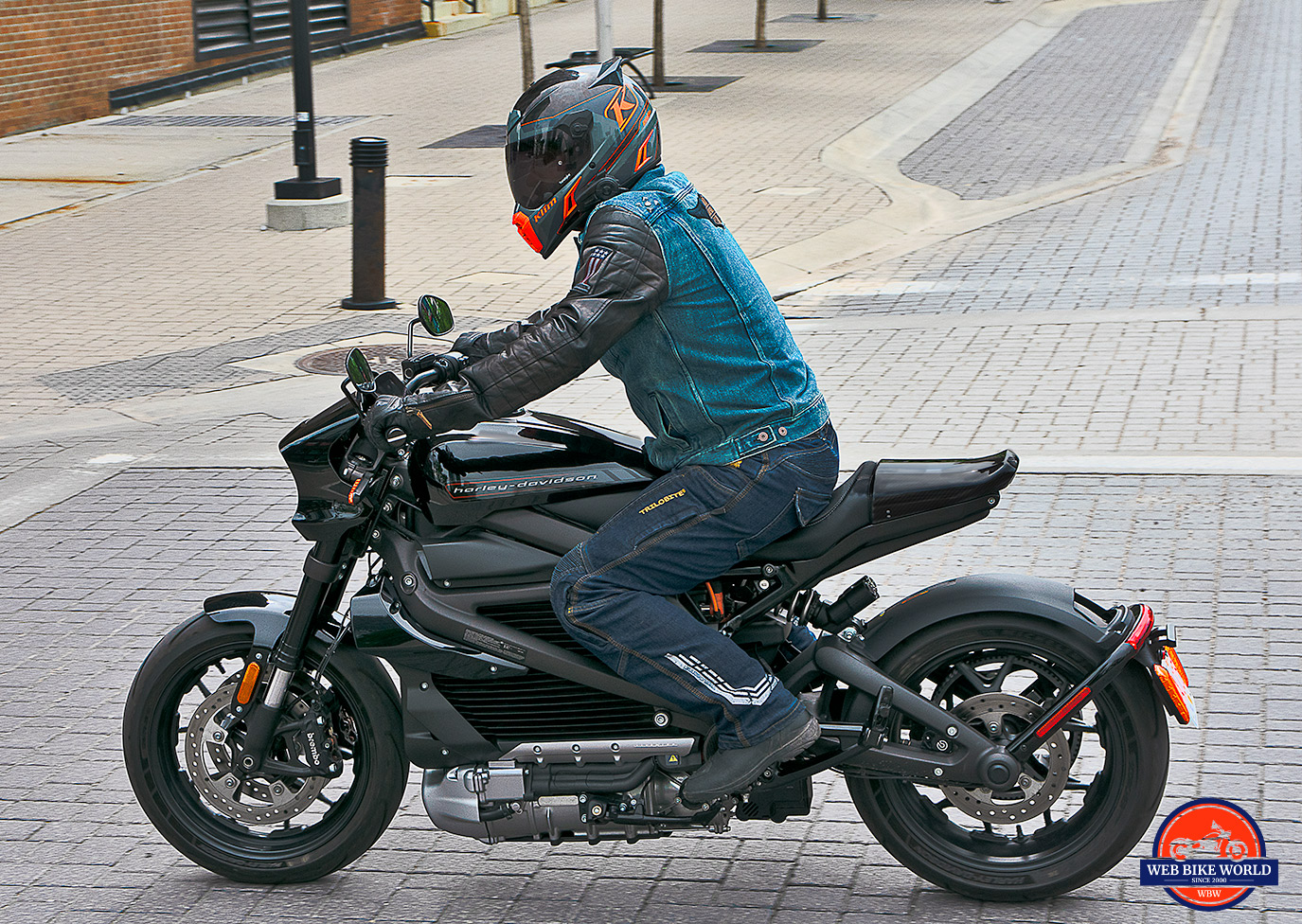 The Harley Davidson LiveWire Is A High-Speed, Low-Drag Ninja