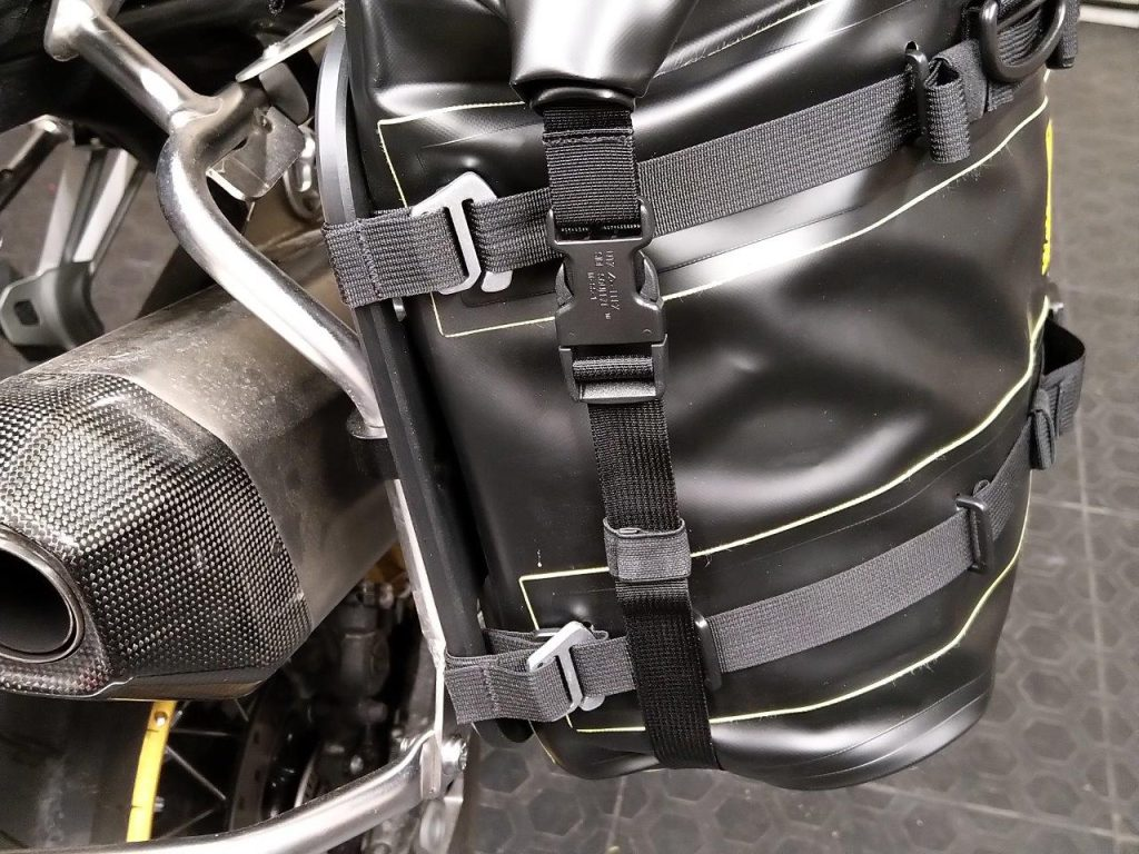Plastic D-rings on Wolfman Expedition Saddle Bag