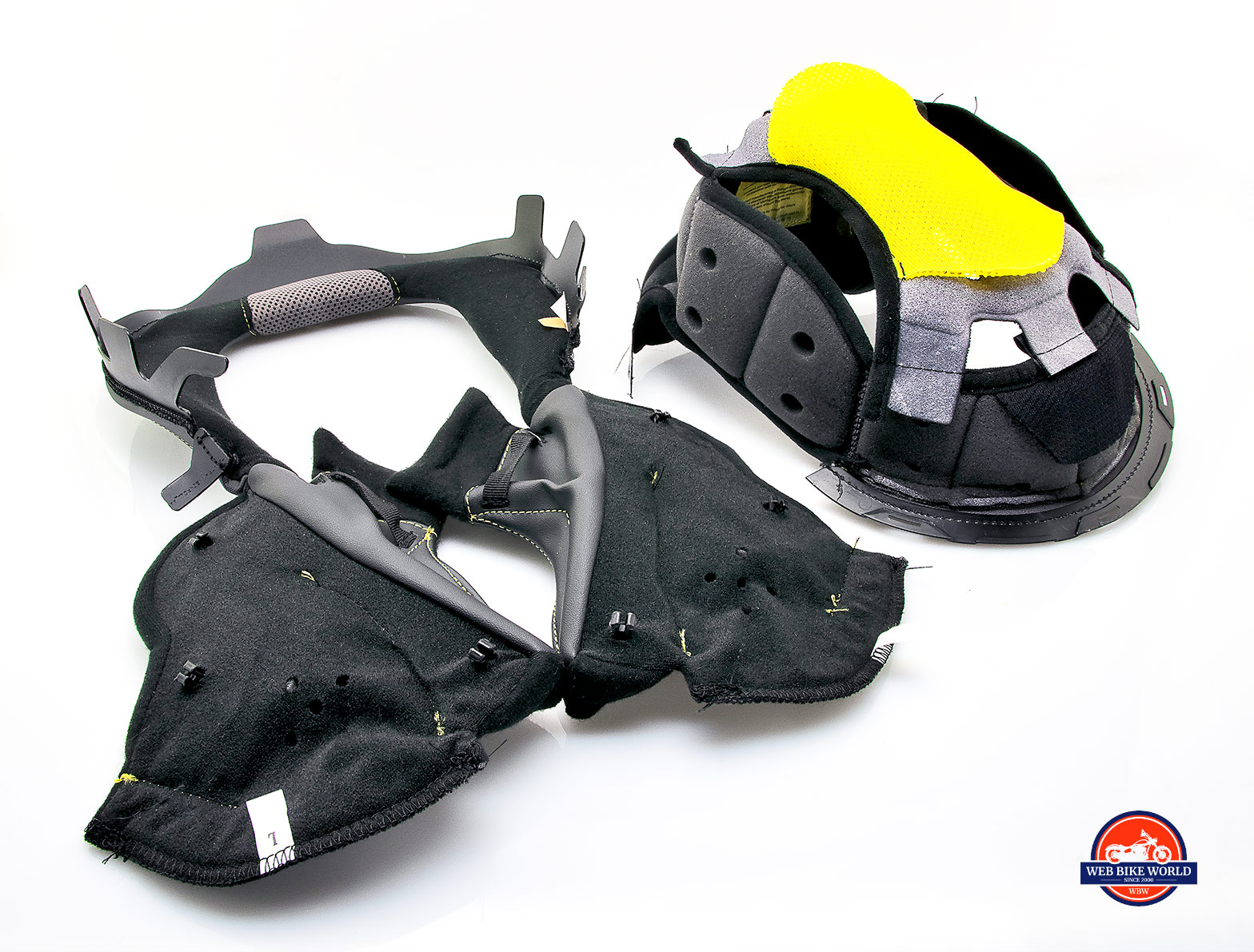The internal comfort liner of Touratech Aventuro Traveller Carbon.