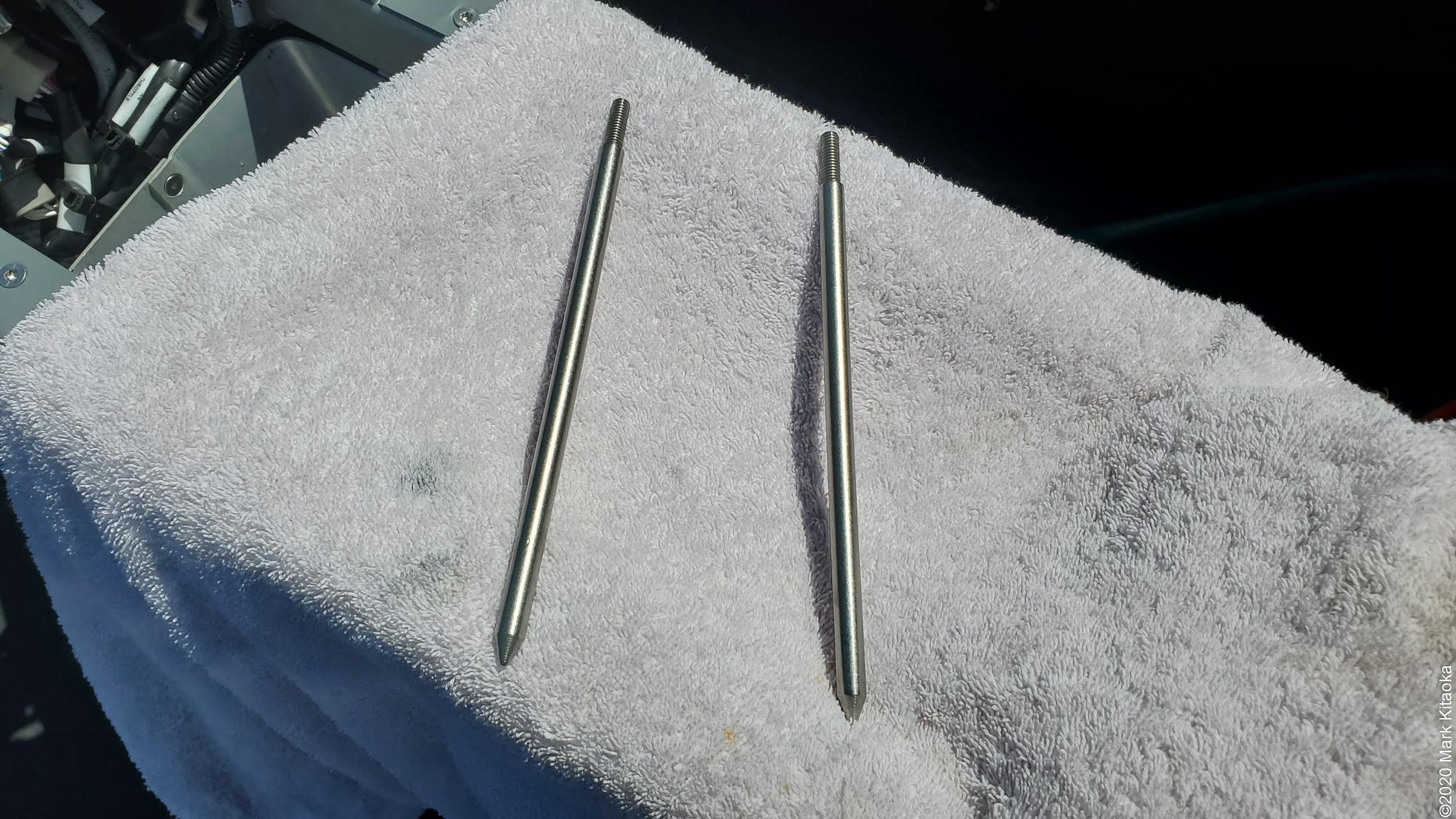 Kalk battery alignment rods