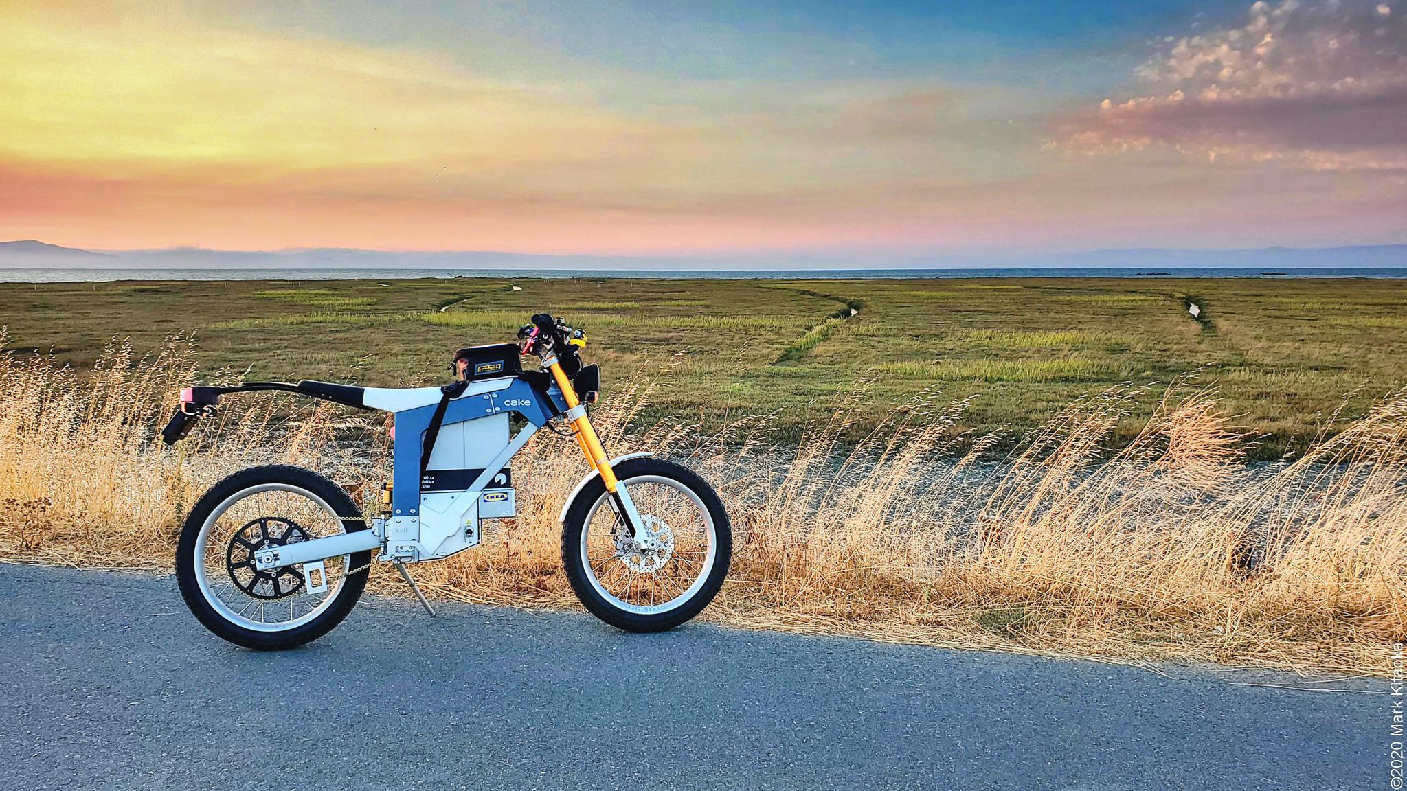 Kalk& bike next to grass field