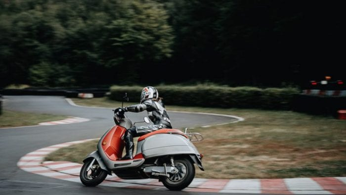 kumpan electric scooter