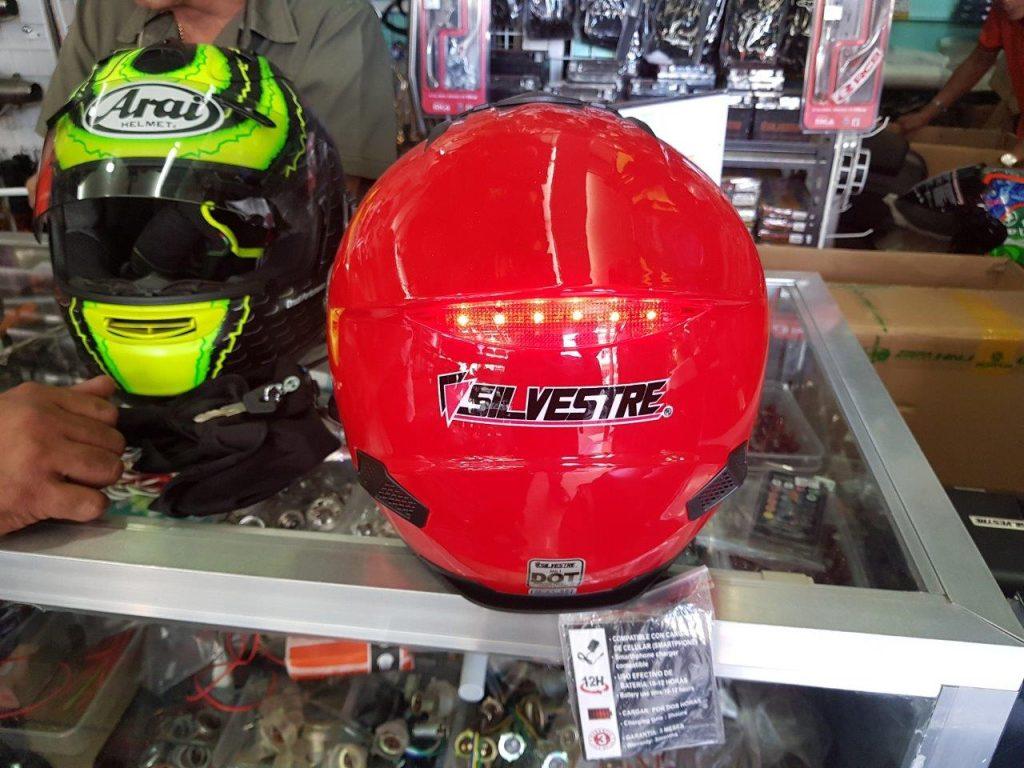 red silvestre helmet