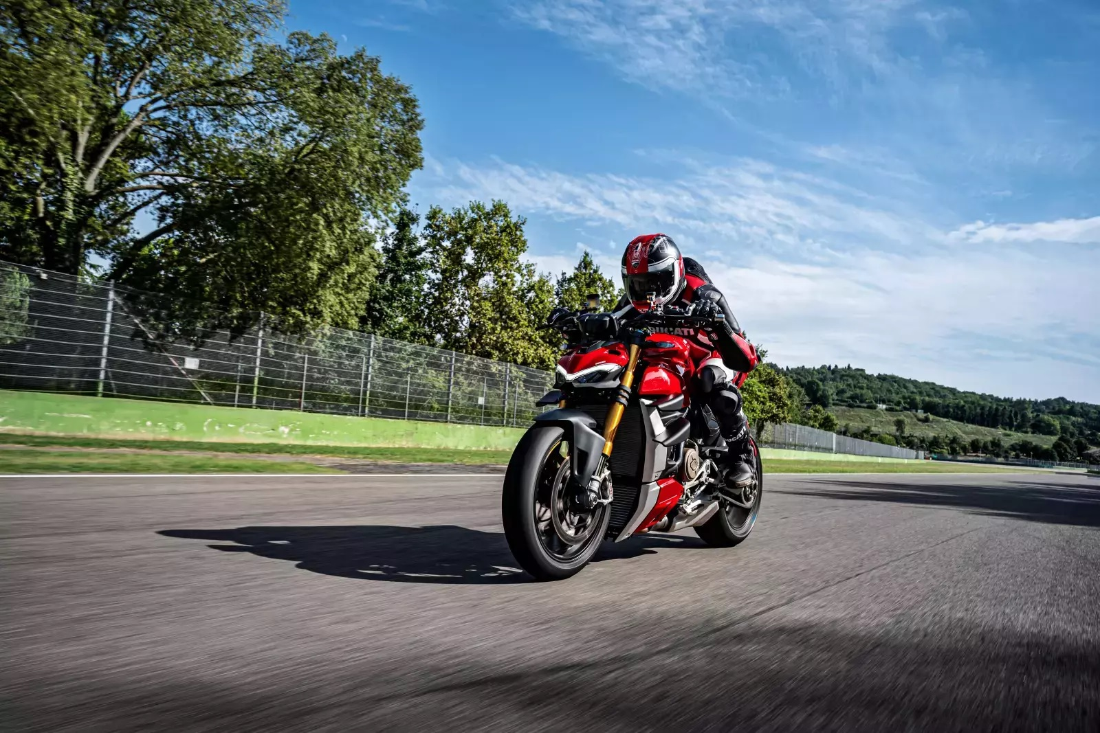 Triumph Street Triple 765 Naked (2017 - ) review | Auto Trader UK
