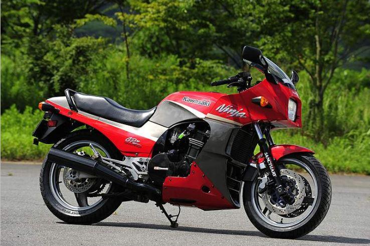 1984 Kawasaki GPZ900R Ninja Top Gun Motorcycle Maverick