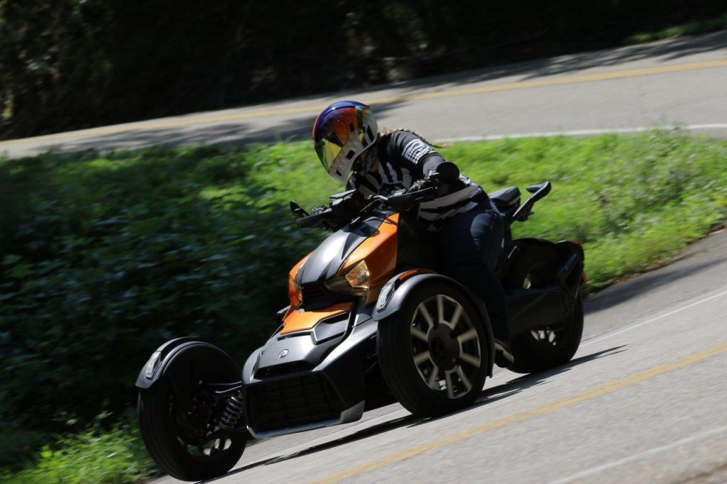 Rider in sport mode taking turns on Can-Am Ryker 900 Rally Edition