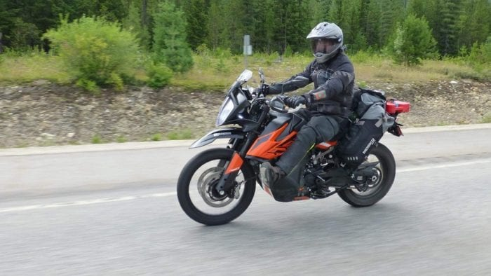 A KTM790 Adventure with Mosko Moto Reckless Revolver 80L V3.0 luggage on it.