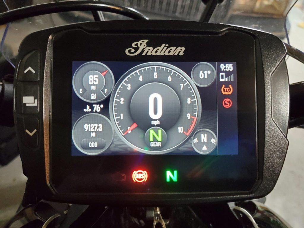 Indian FTR 1200 S 4.3 inch LCD Touchscreen in Classic view mode