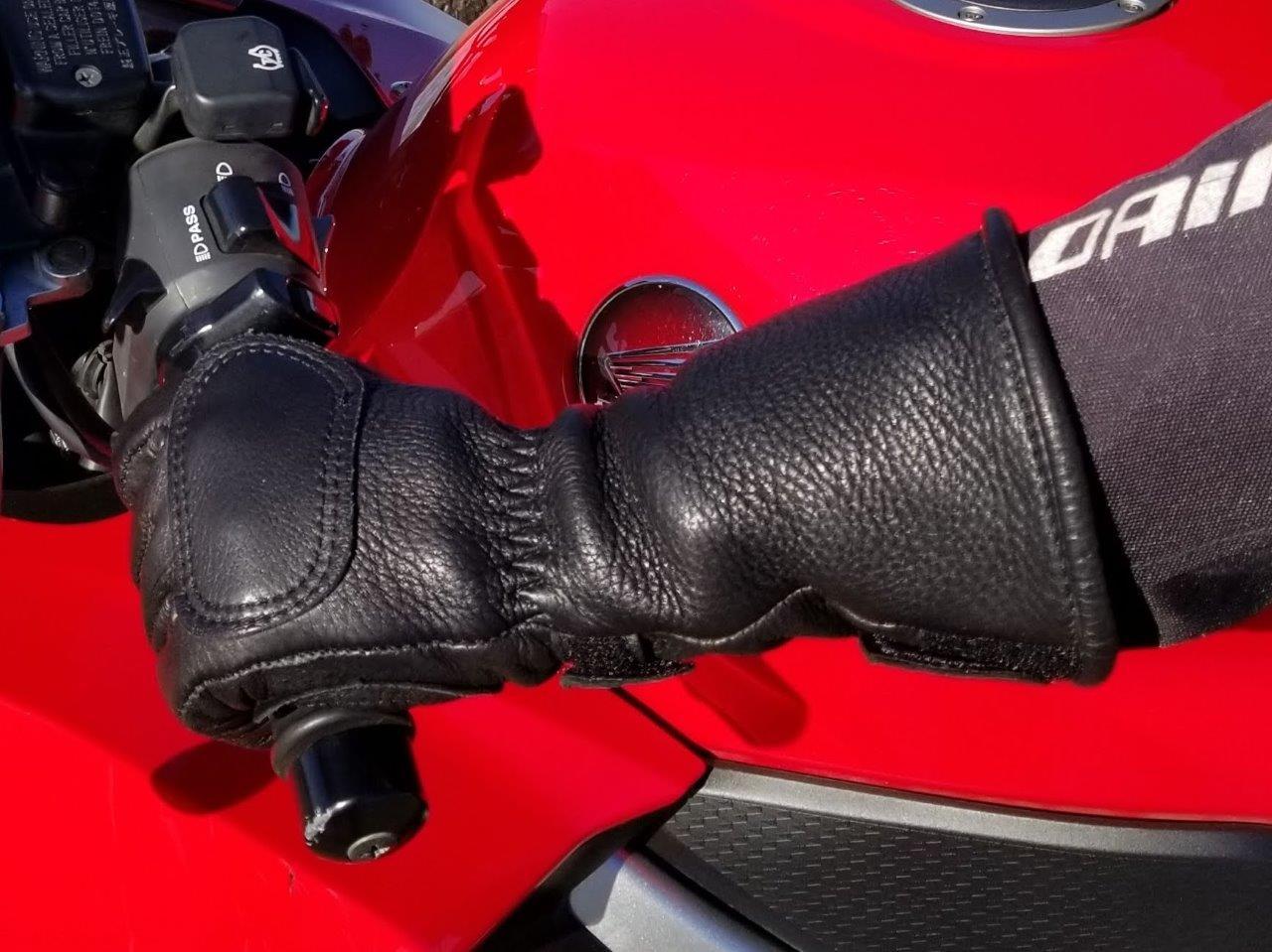 The Lee Parks Design Deersports gloves have long gauntlets on them.