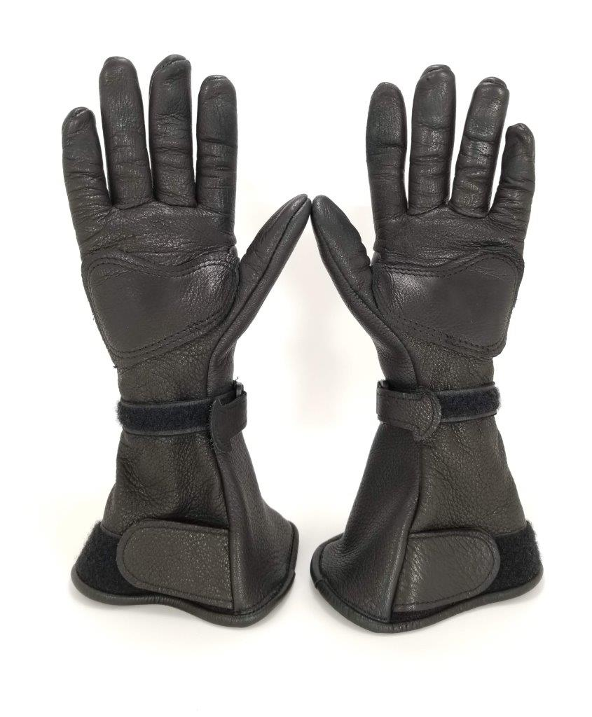 The Lee Parks Design Deersports gloves top view.