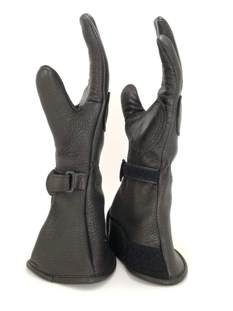 The Lee Parks Design Deersports gloves side view.