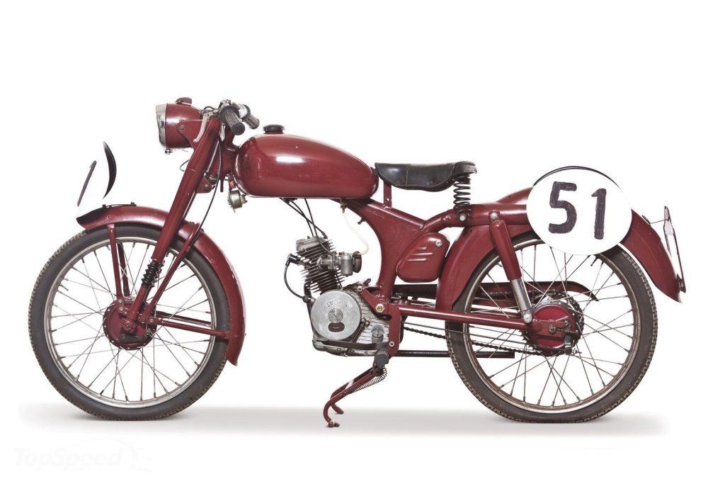 1949 Ducati Cucciolo Moto 1 Side View