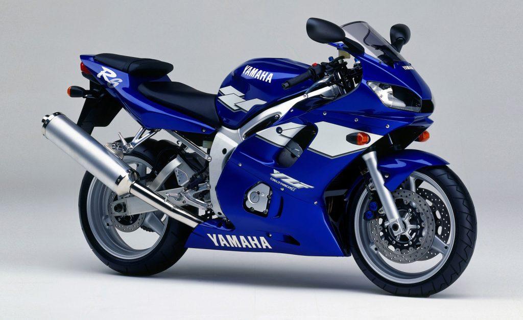 1999 Yamaha R6 Side View