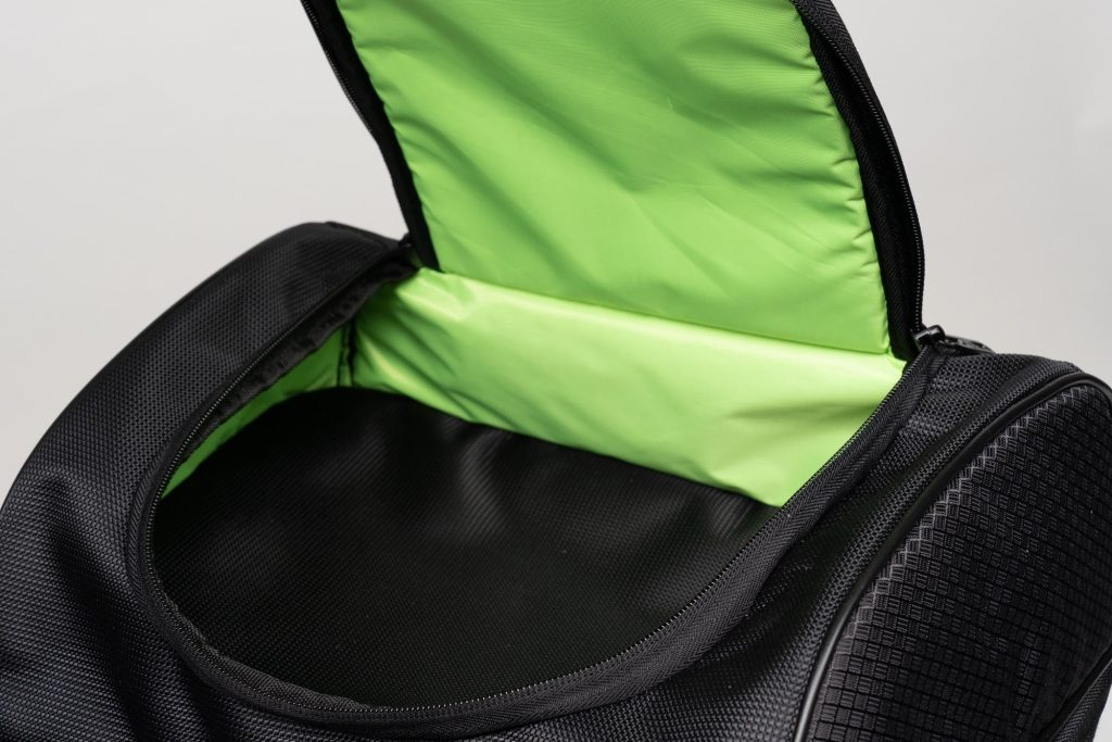 70025 bag with top zipper compartment open