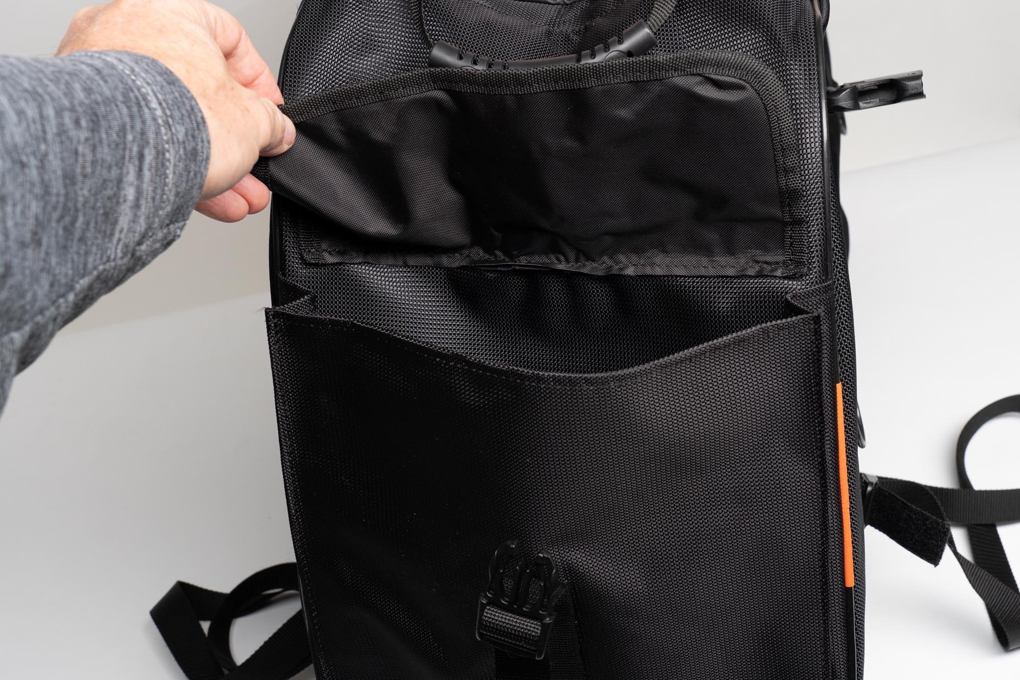Open side pocket on 70086 Sentor bag