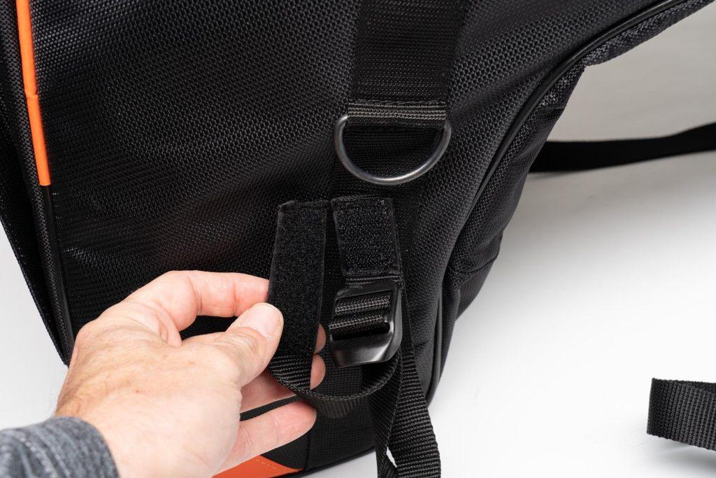 Hook and loop fastener on 70086 Sentor bag