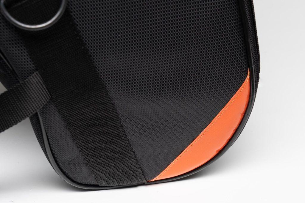 Orange accents on 70086 Sentor bag
