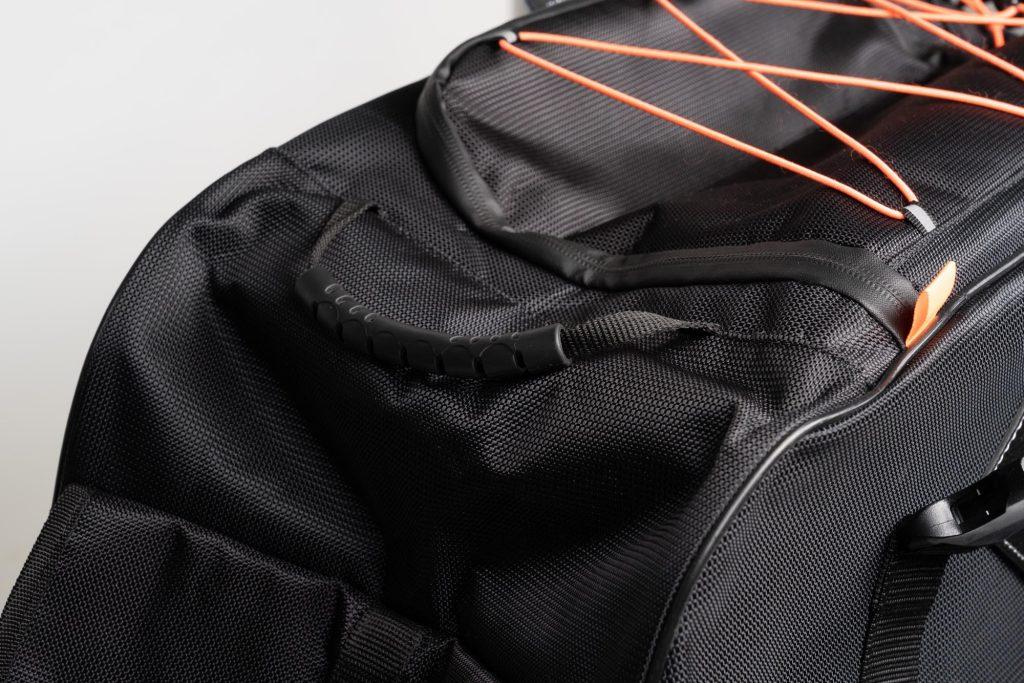 Grab handles on 70086 Sentor bag