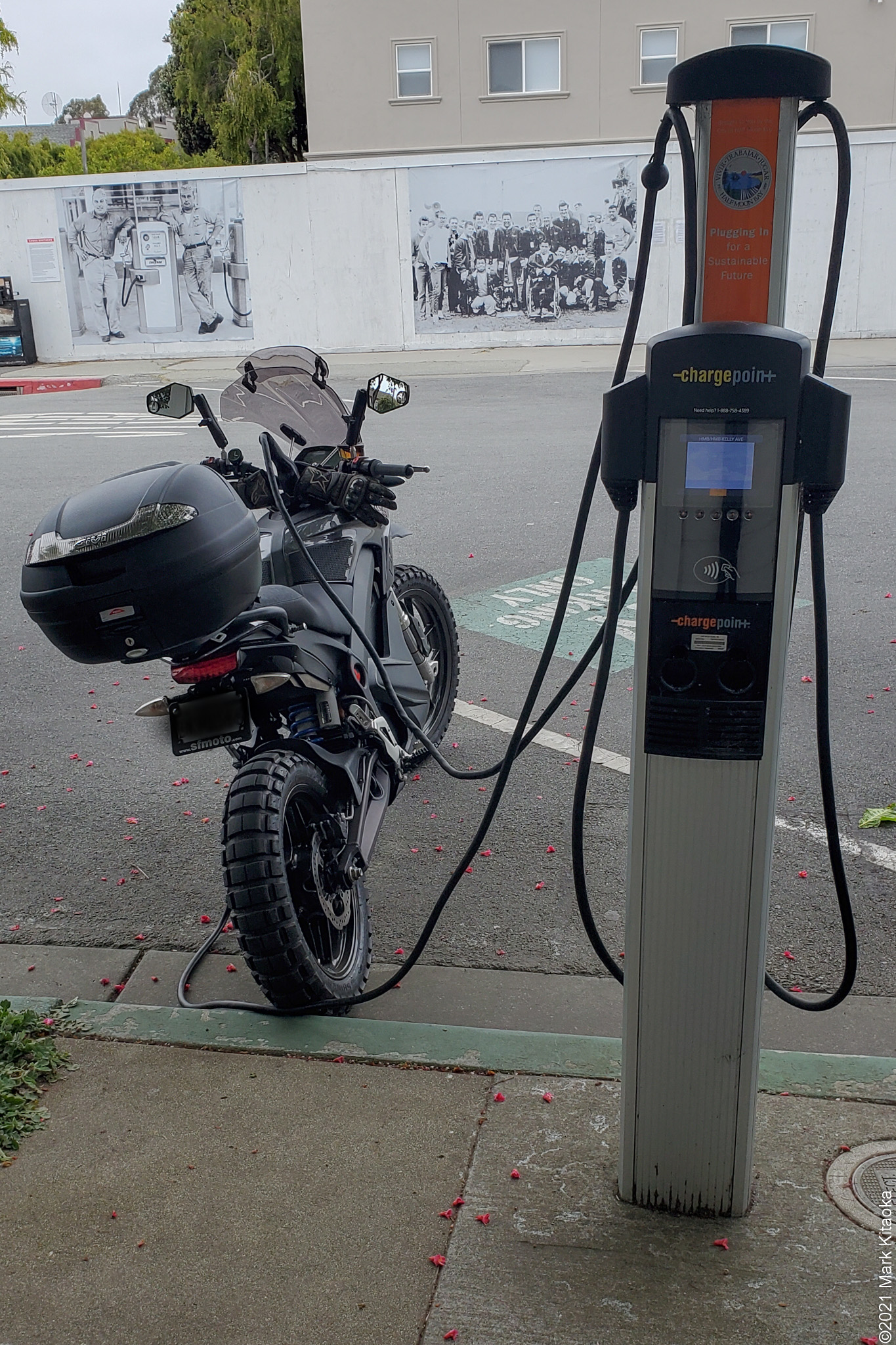 Zero DSR parked at Chargepoint EV station