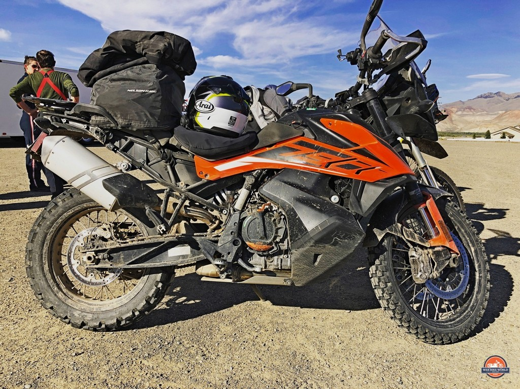 The KTM 790 adventure loves to ride in the dirt.