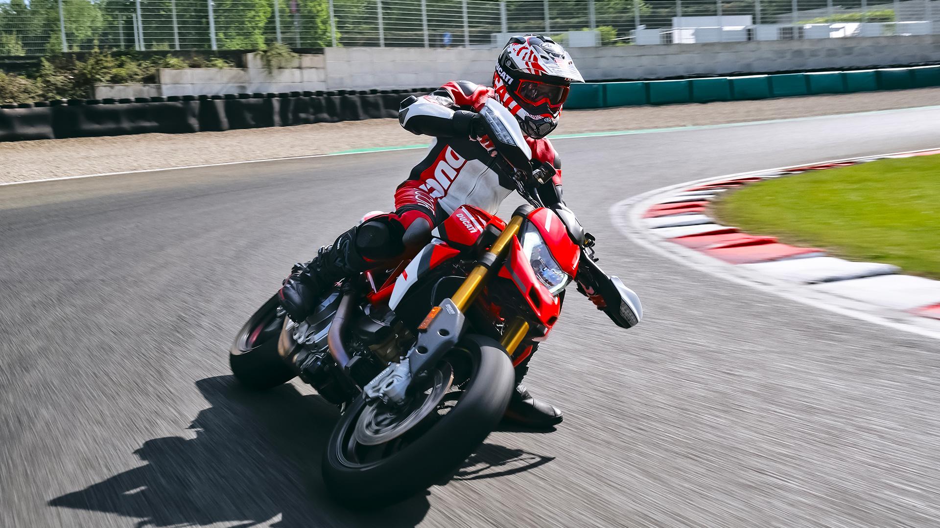 2022Hypermotard SP on the track