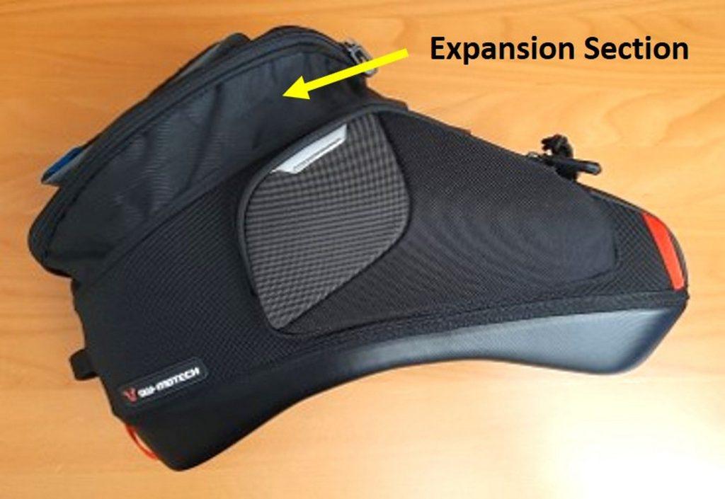 Expansion zipper on the SW Motech GS pro tank bag