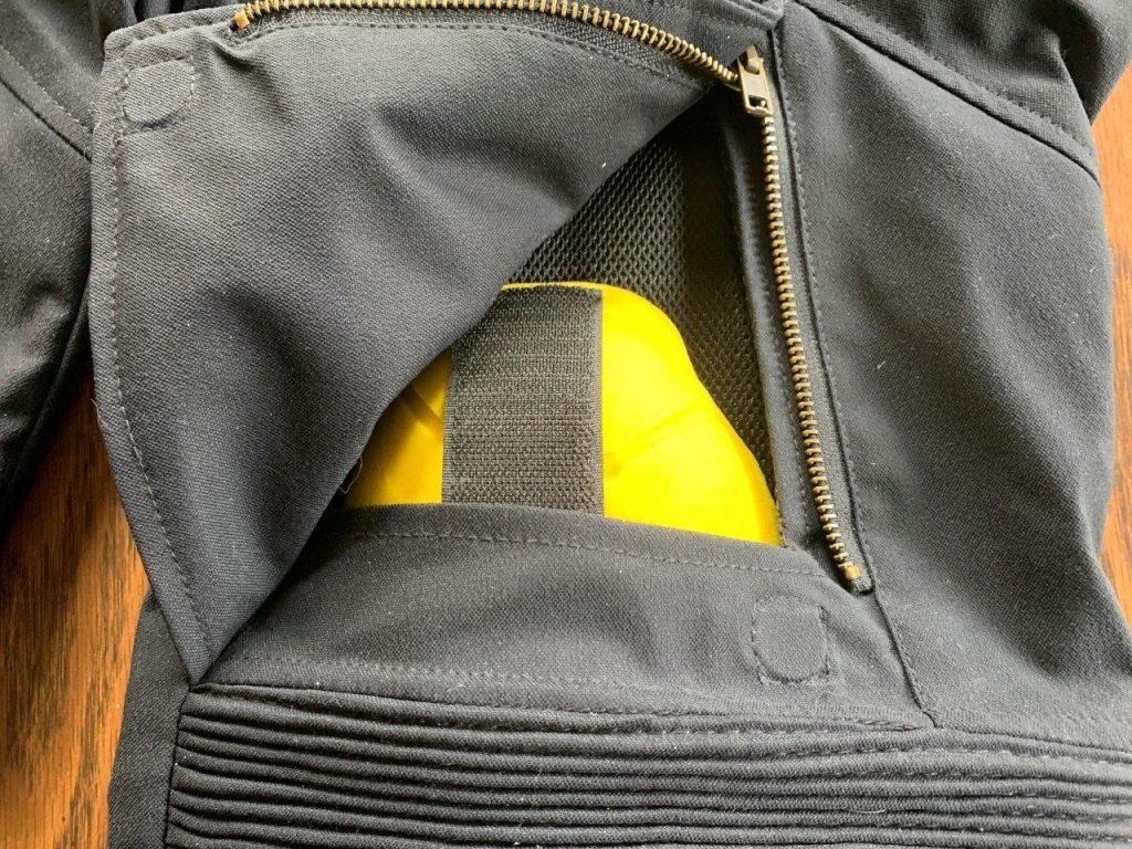 Raven Rova Raven knee armor pocket