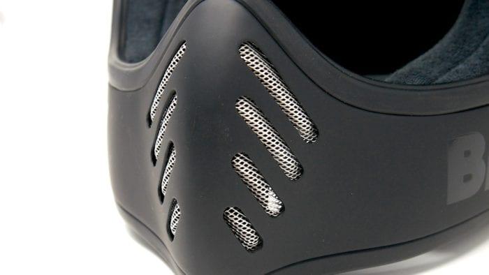 Bell moto-3 helmet chin bar vents