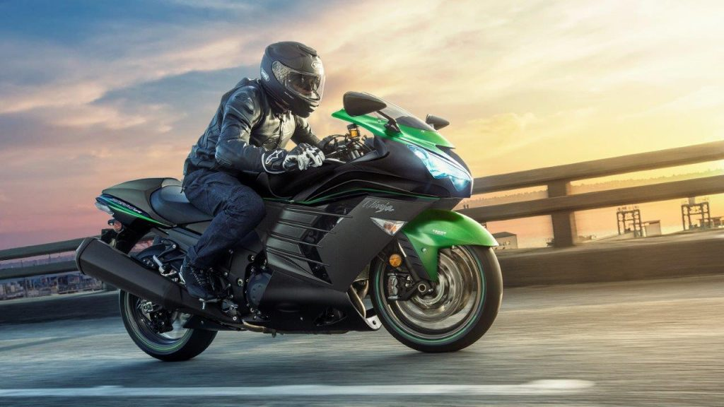 20200 Kawasaki Ninja ZX-14R Riding on the Road