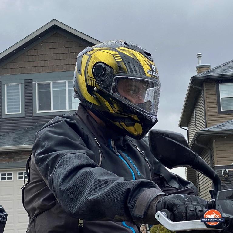 Riding in the rain while wearing the Shark Spartan GT Replikan.