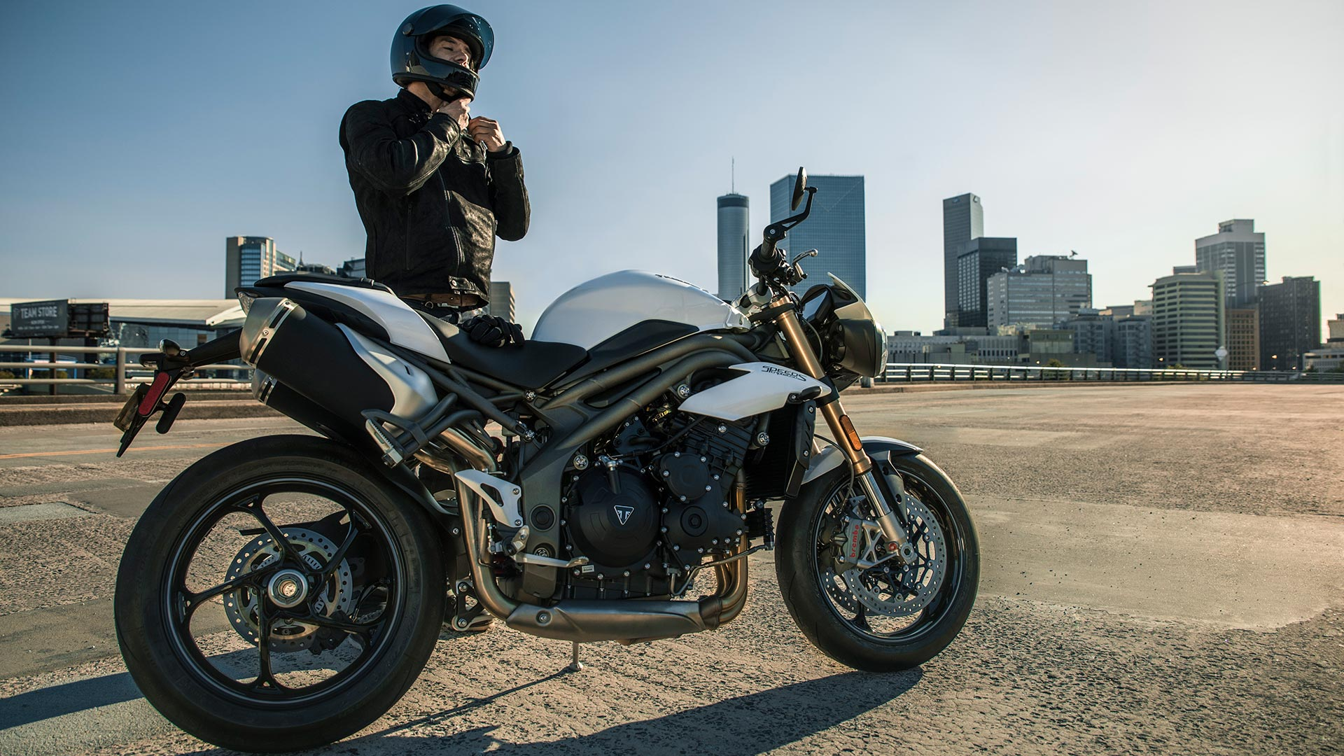 A view of a rider enjoying the 2021 Triumph Speed Triple S