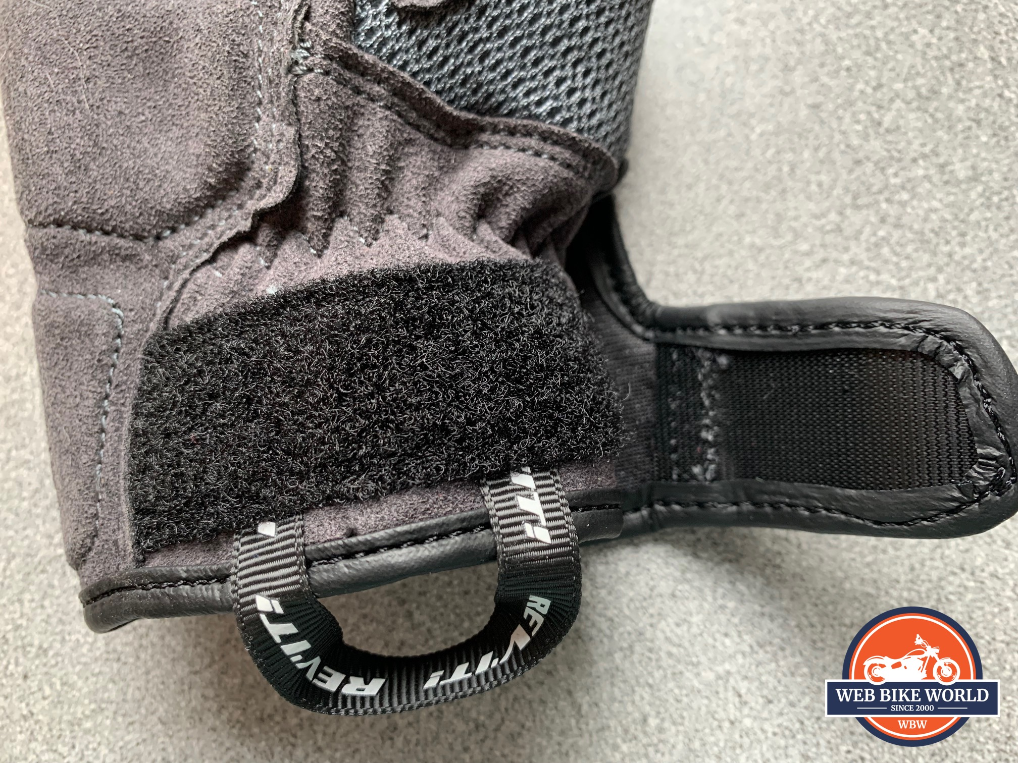 A view of the rather inadequate velcro strap on the REV'IT! Volcano gloves