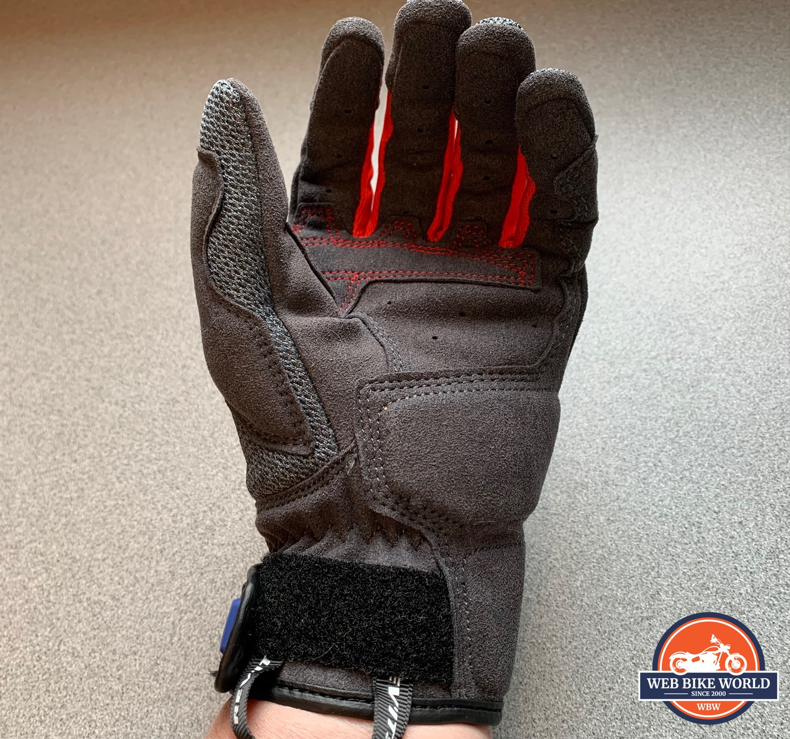 A view of the underside of the REV'IT! Volcano gloves