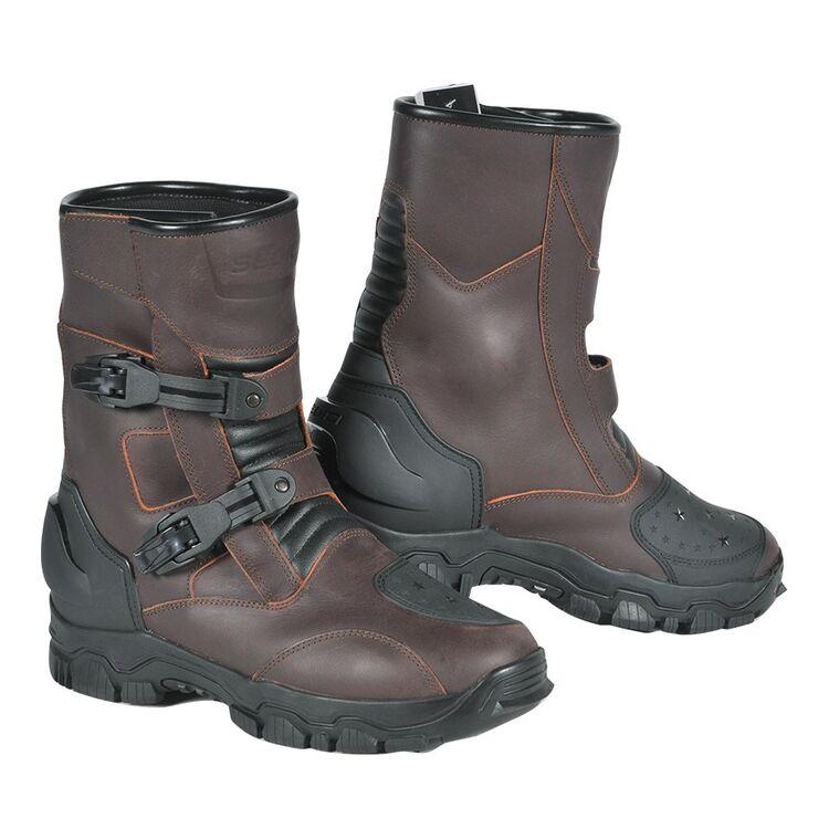 Sedici Viaggio Waterproof Boots on white background